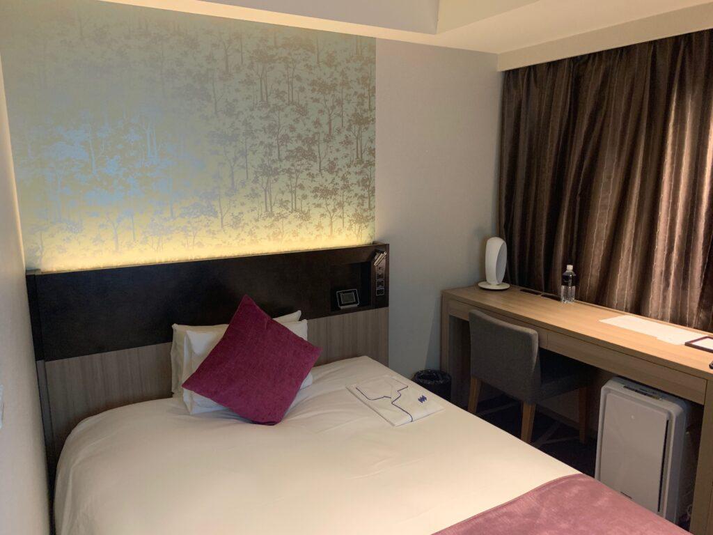 ホテルメトロポリタンさいたま新都心のスーペリアダブル(19㎡)のベッド