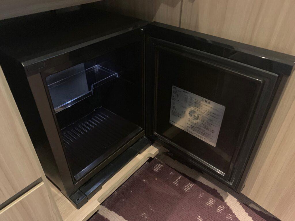 ホテルメトロポリタンさいたま新都心のスーペリアダブル(19㎡)の冷蔵庫